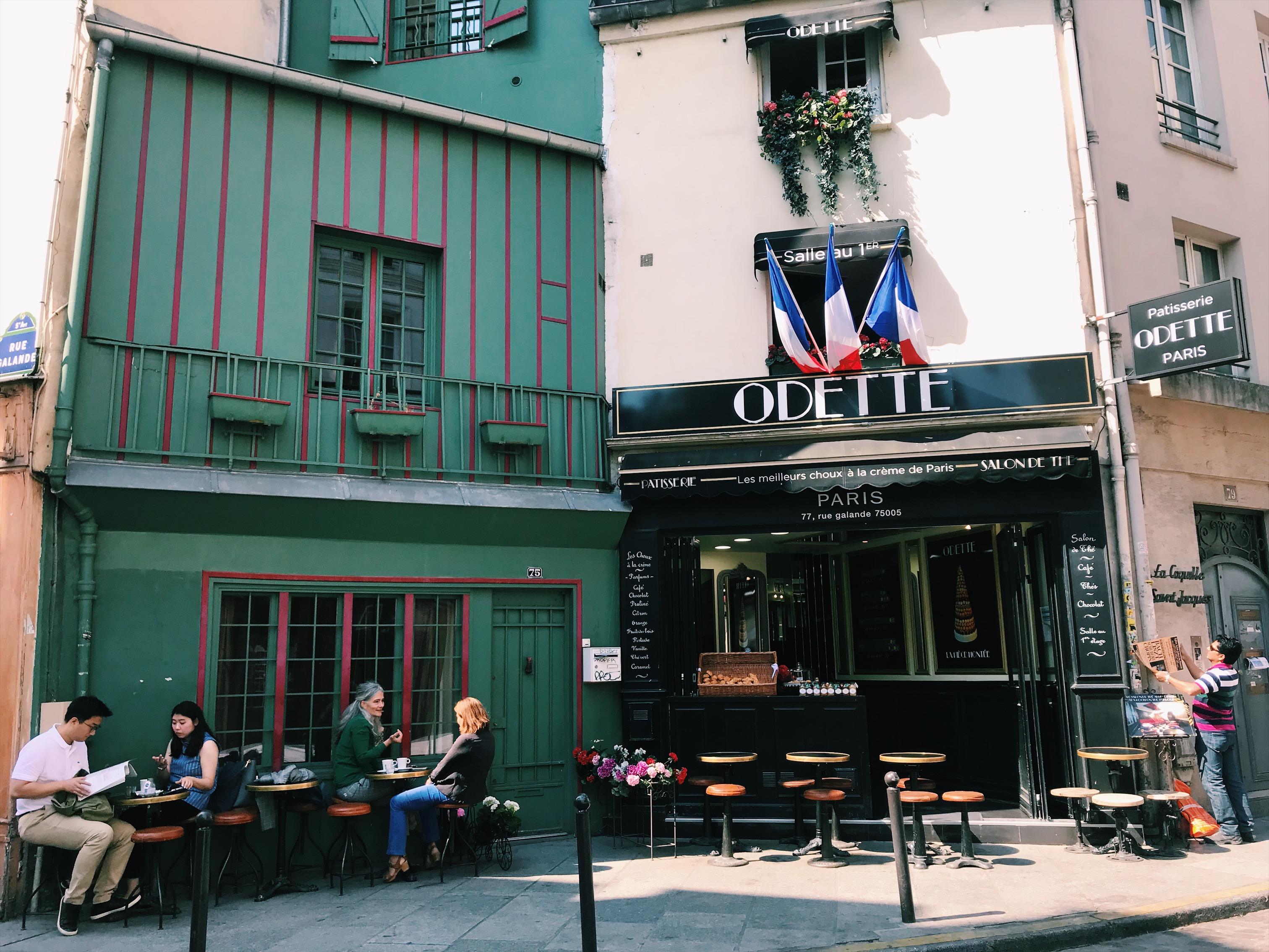 bond-das-kleine-caf-in-frankreich-kueken