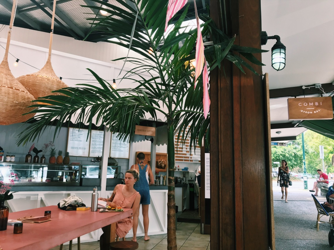 review brunch byron bay combi